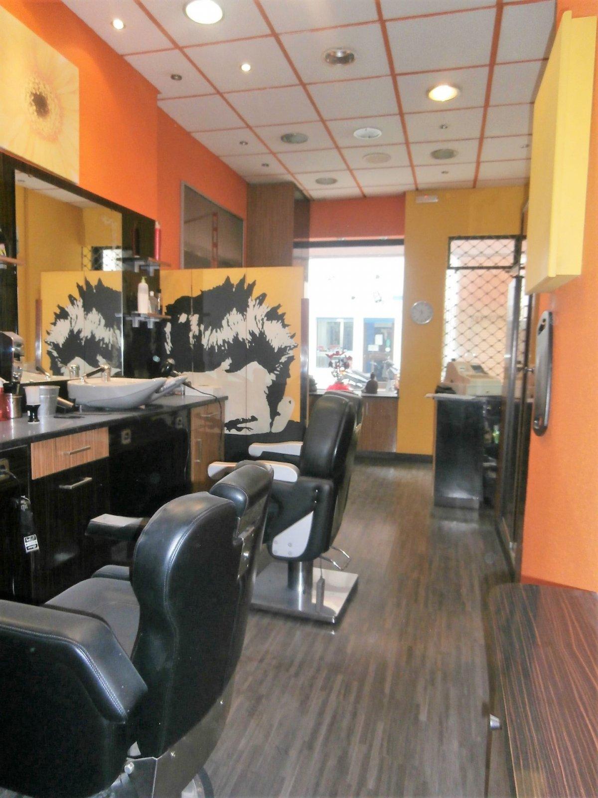 Local instalado como peluqueria - imagenInmueble3