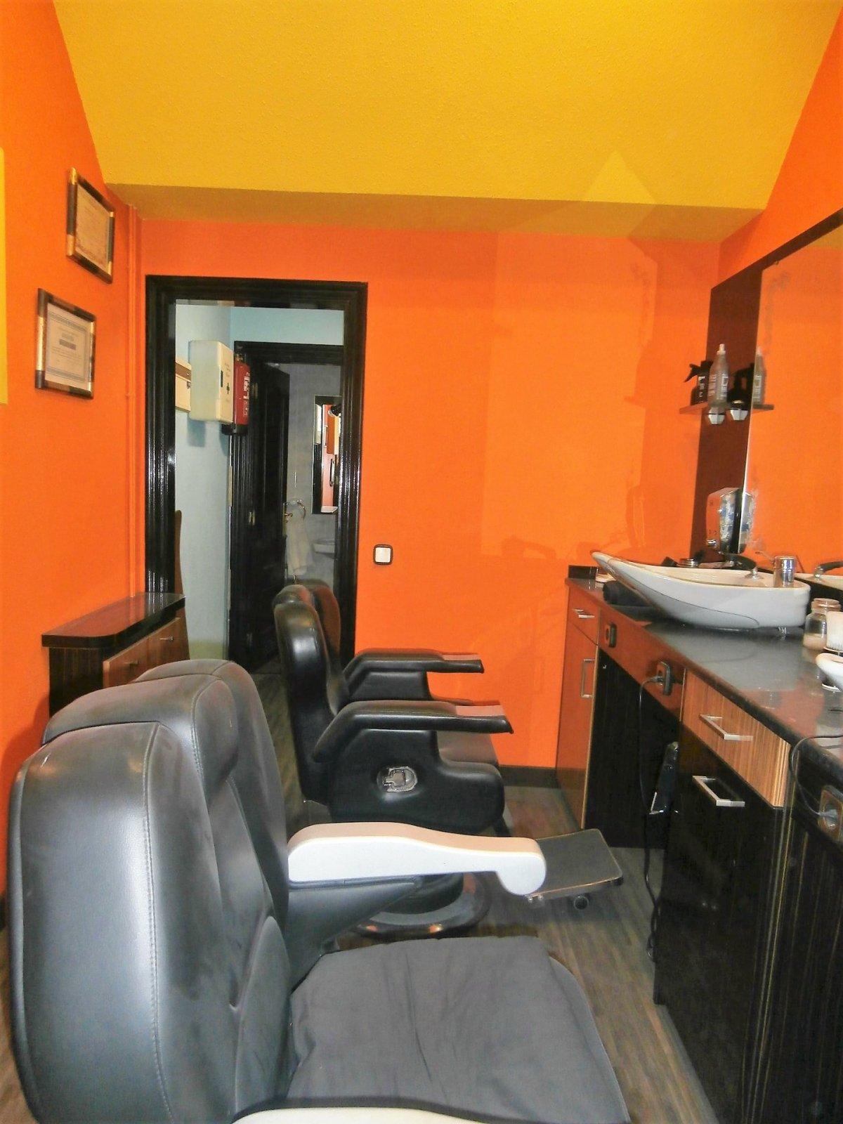Local instalado como peluqueria - imagenInmueble4