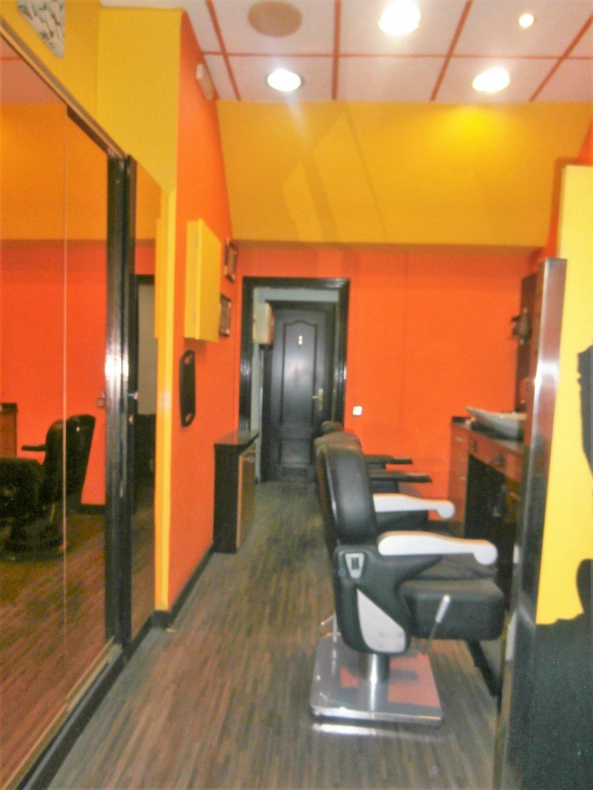 Local instalado como peluqueria - imagenInmueble5