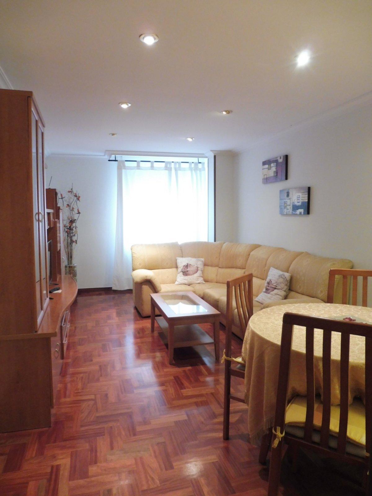 Terraza de 47 m2, piso seminuevo en el centro de la calzada - imagenInmueble0
