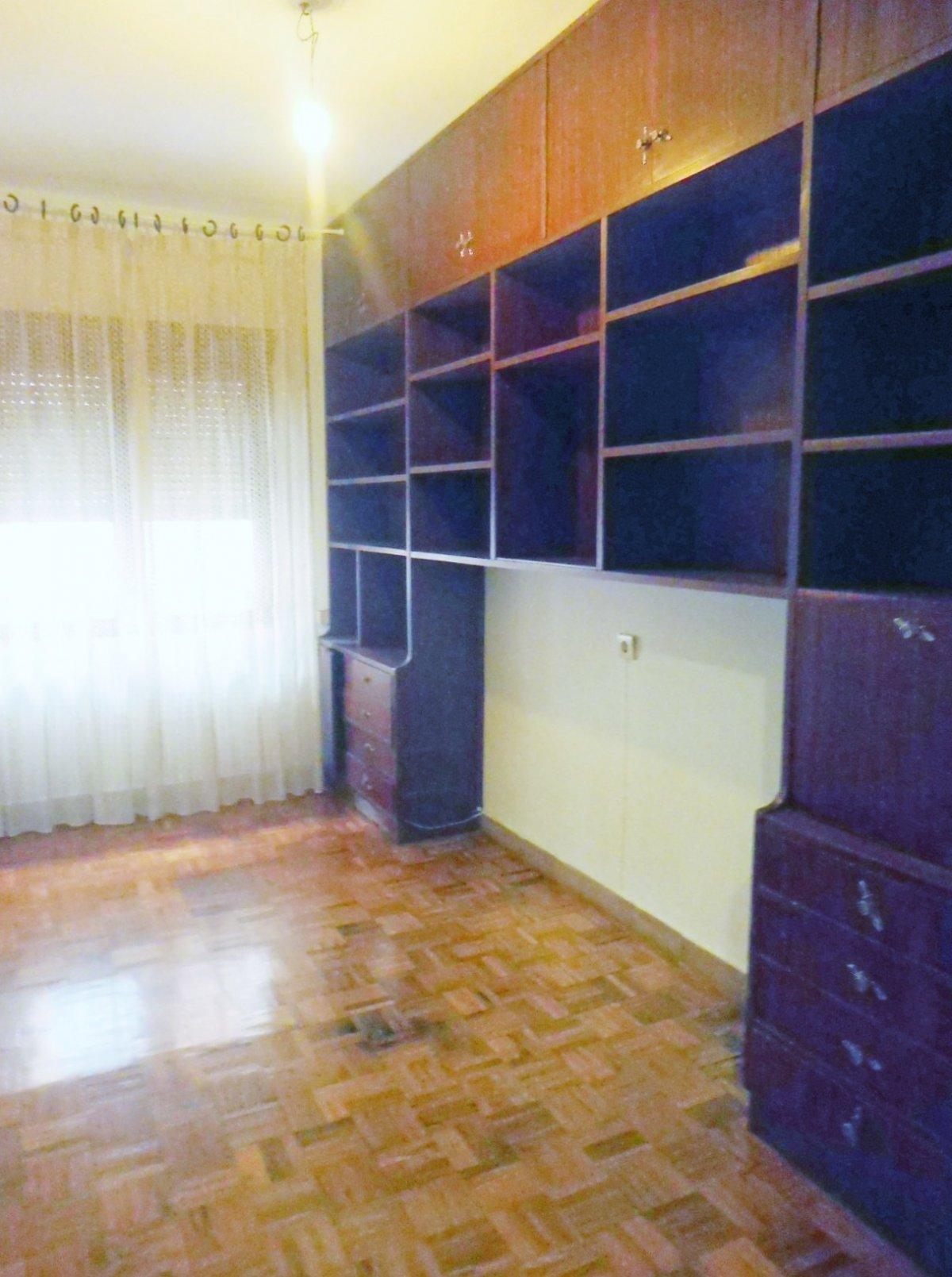 En el centro de la calzada, piso con terraza cerrada - imagenInmueble12