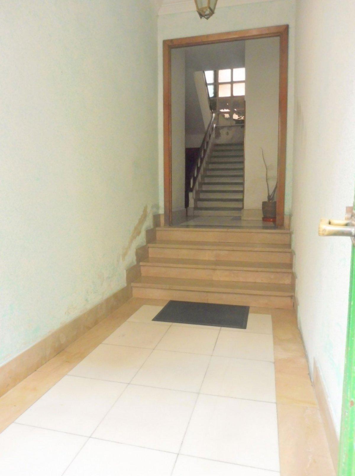 En el centro de la calzada, piso con terraza cerrada - imagenInmueble15