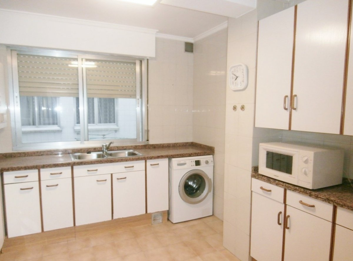 Venta de piso de 3 dormitorios en el centro de oviedo - imagenInmueble0