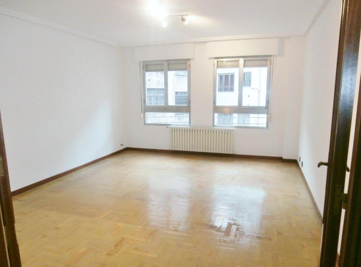 Venta de piso de 3 dormitorios en el centro de oviedo - imagenInmueble2