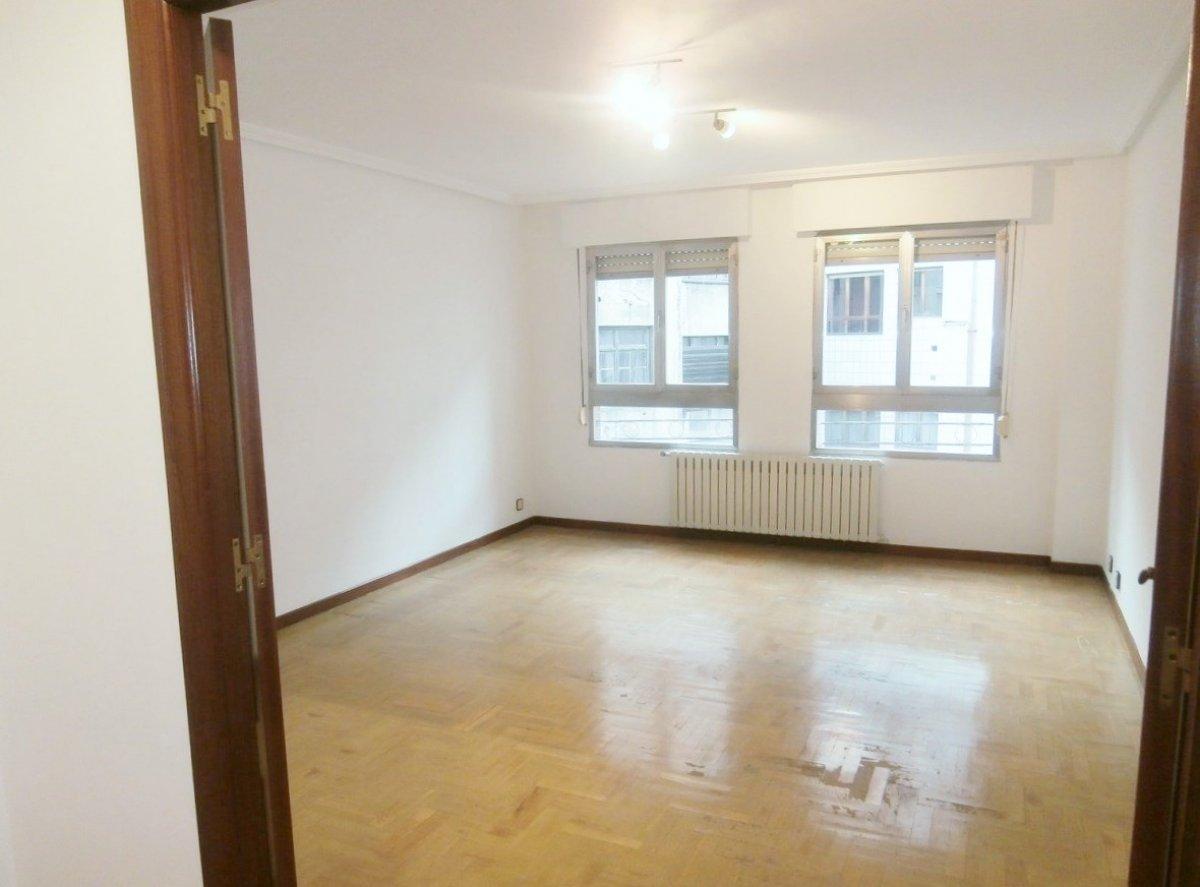 Venta de piso de 3 dormitorios en el centro de oviedo - imagenInmueble5