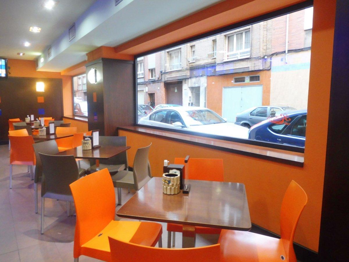 Cafetería totalmente instalada en el centro de  la calzada - imagenInmueble0