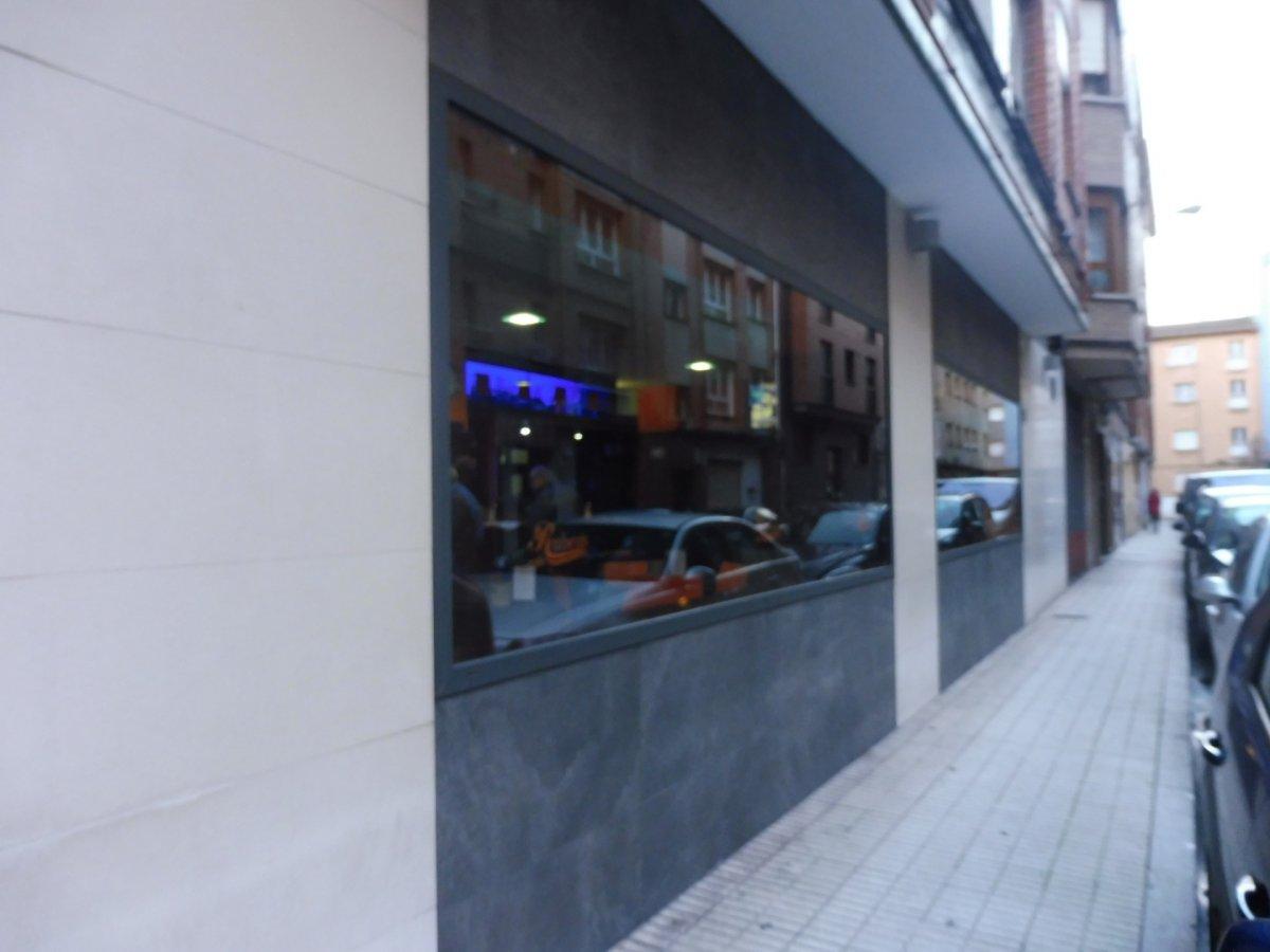 Cafetería totalmente instalada en el centro de  la calzada - imagenInmueble14