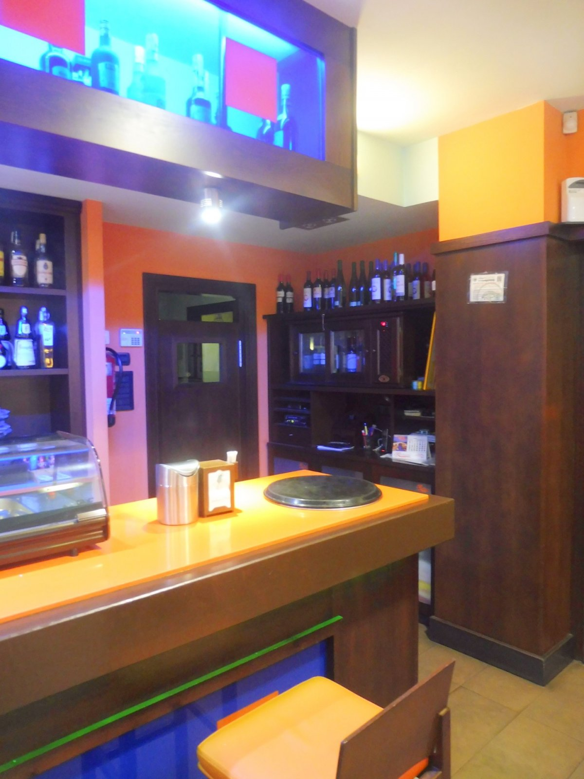 Cafetería totalmente instalada en el centro de  la calzada - imagenInmueble5