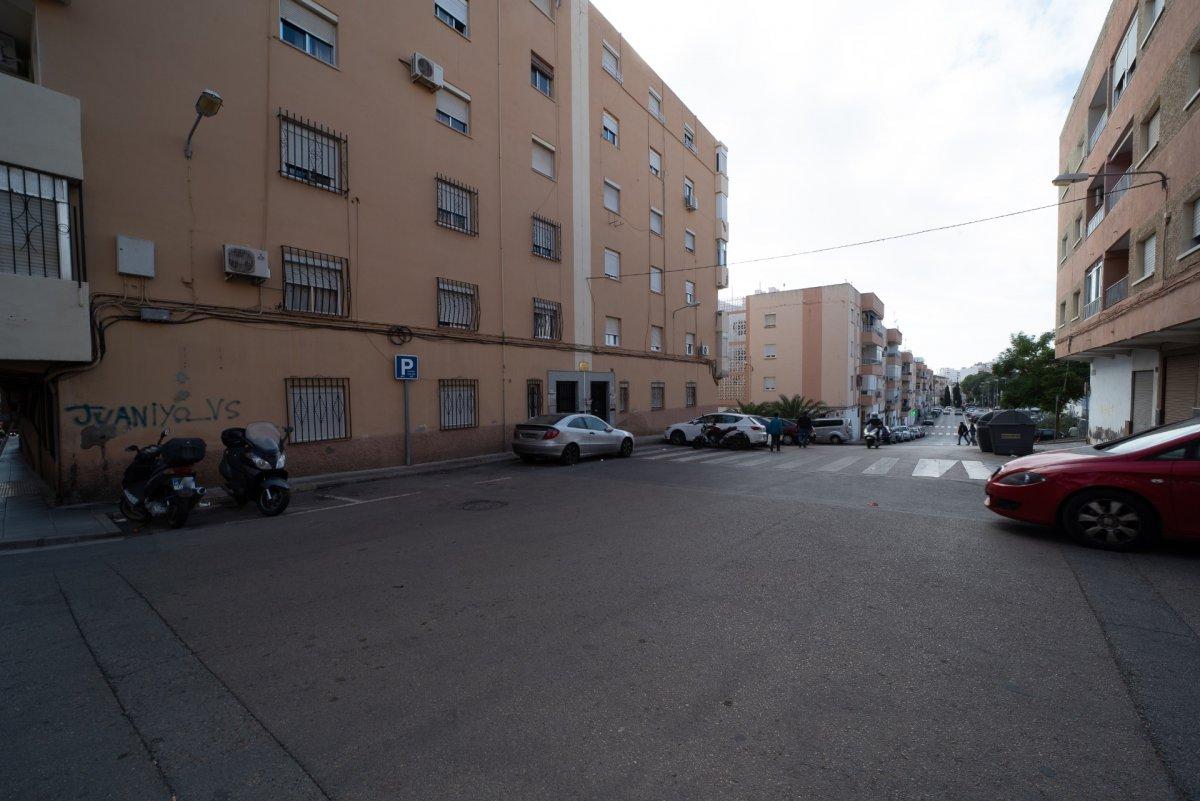 ¡Se alquila local en Almería!