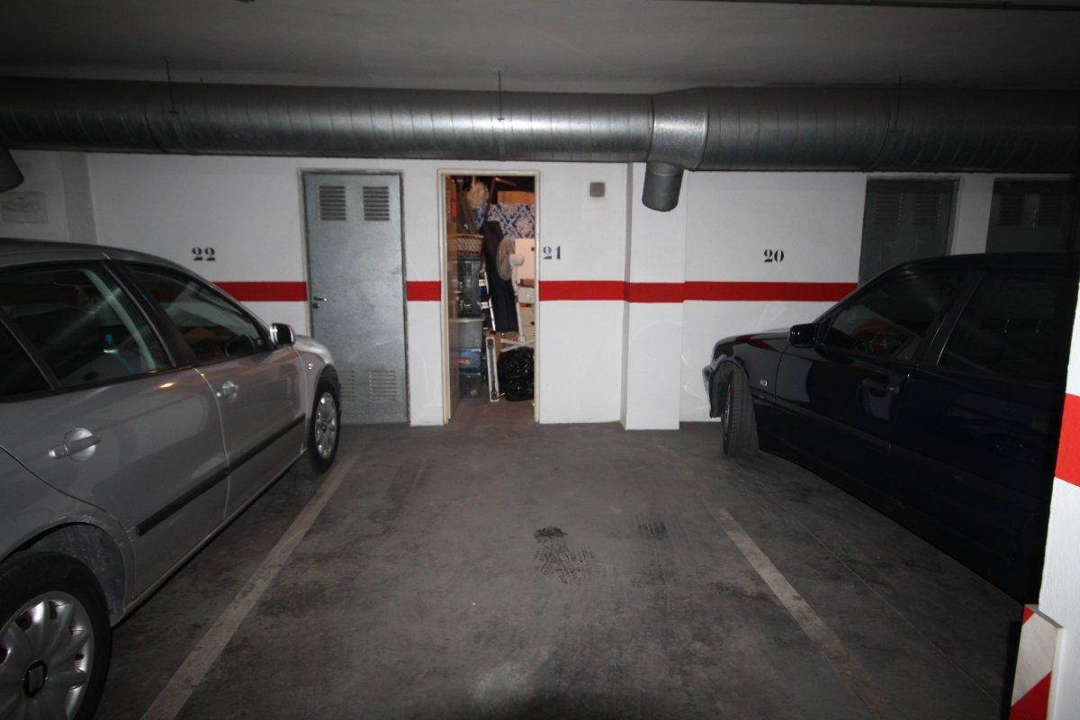 garaje en roquetas-de-mar · avenida-juan-carlos 9000€