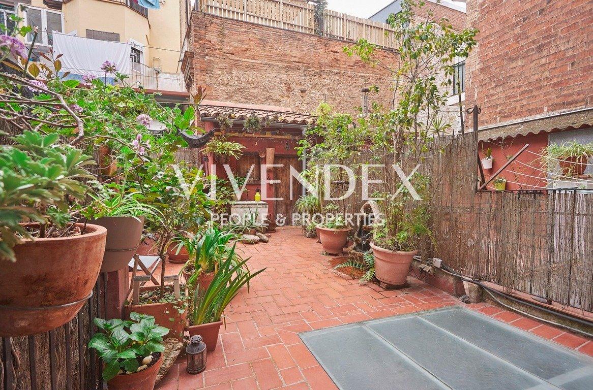 Flat for sale in El Poble-sec, Barcelona