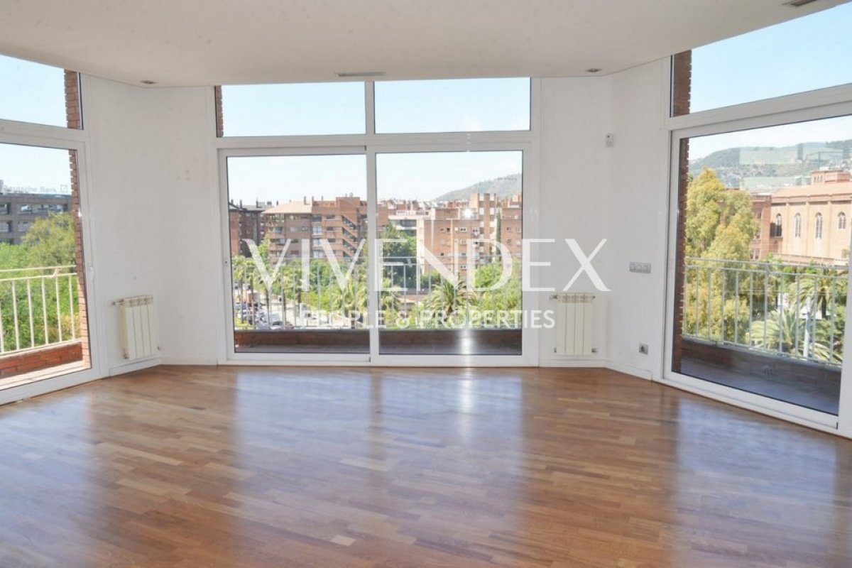 Flat for sale in Les Tres Torres, Barcelona