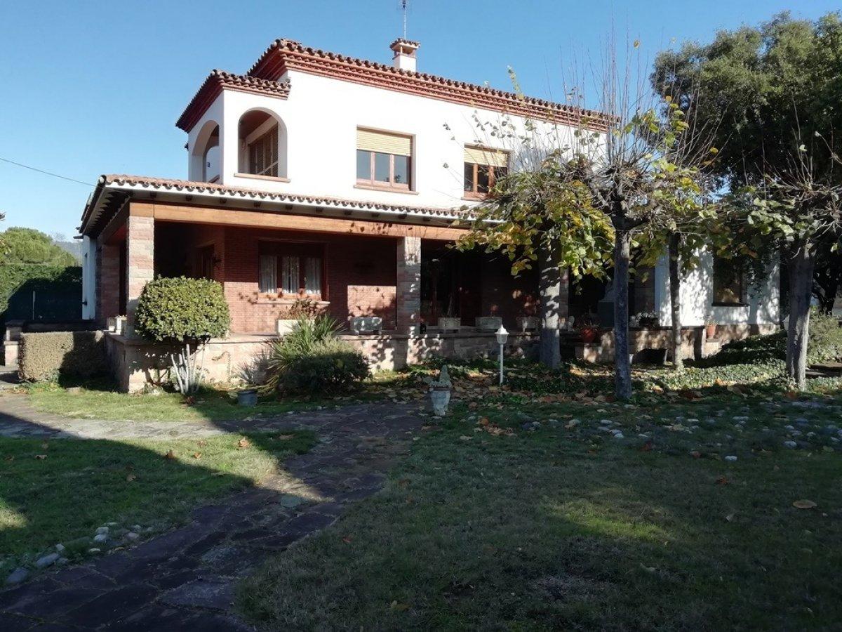 casa-con-terreno en la-garriga · passeig-congost---centre 725000€