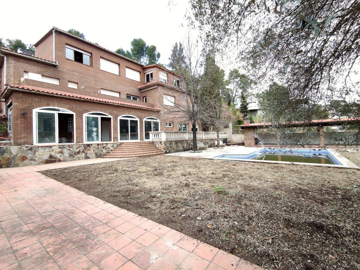casa-con-terreno en palleja · fontpineda 479000€