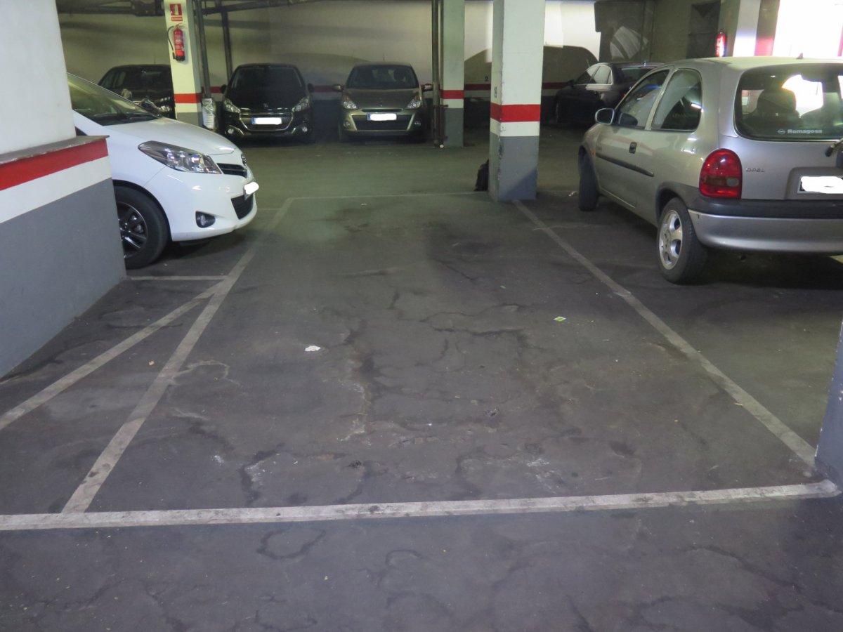 parking en barcelona · el-guinardo 26000€