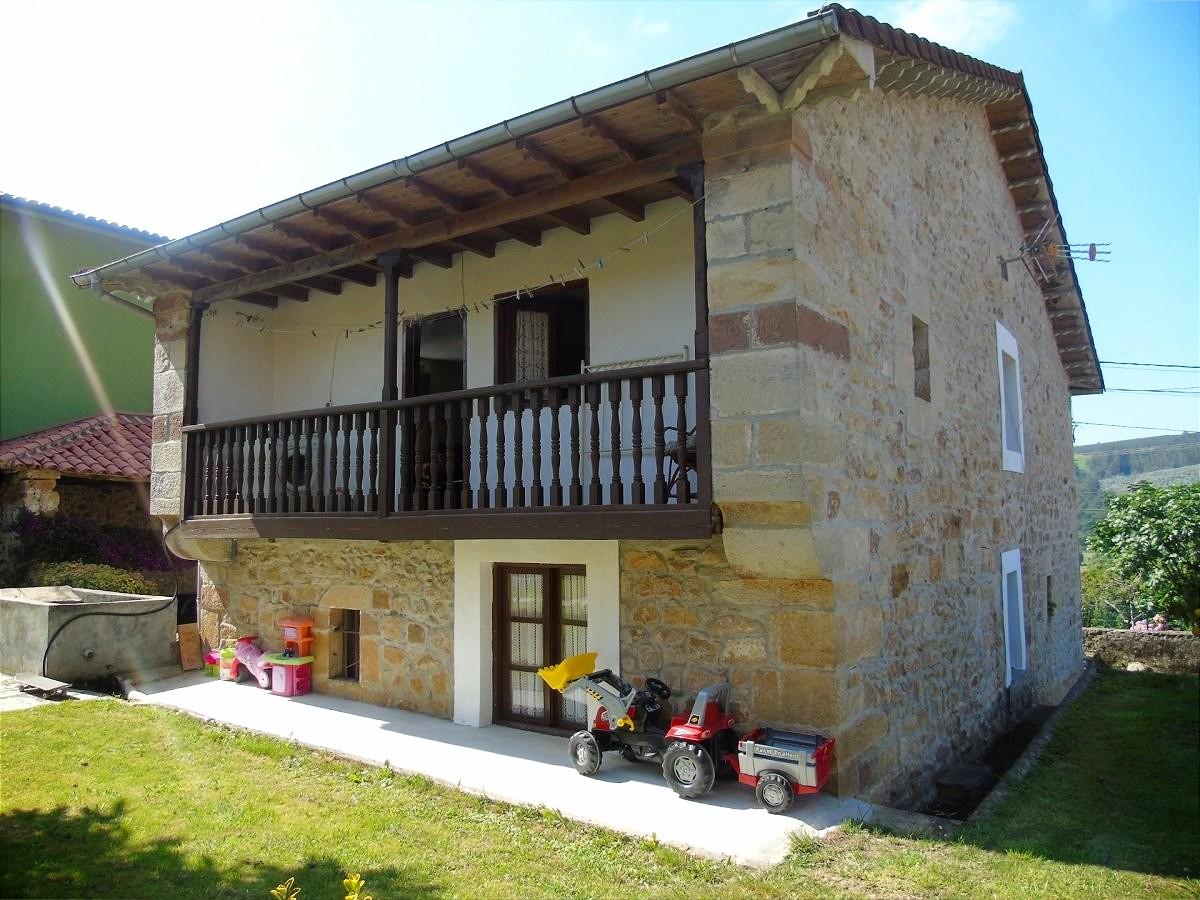 Casa en venta en Santa Maria de Cayon  de 5 Habitaciones, 1 Baño y 203 m2 por 169.900 €.