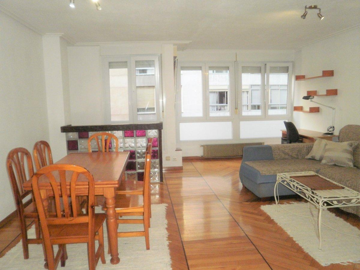 Piso en venta en Santander  de 3 Habitaciones, 1 Baño y 113 m2 por 165.000 €.