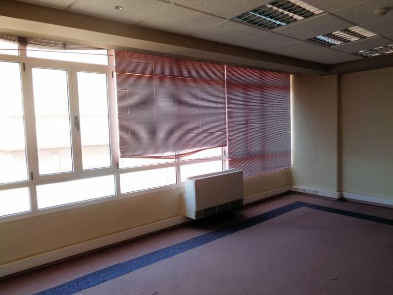 office rent transfer santander de metros cuadrados 240 en la zona de centro ref 00977