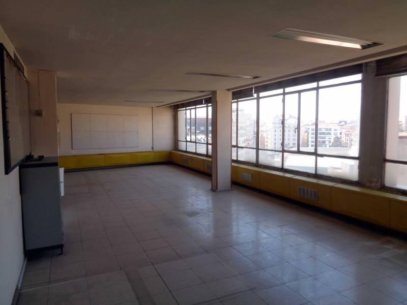office rent transfer santander de metros cuadrados 88 en la zona de centro ref 02290