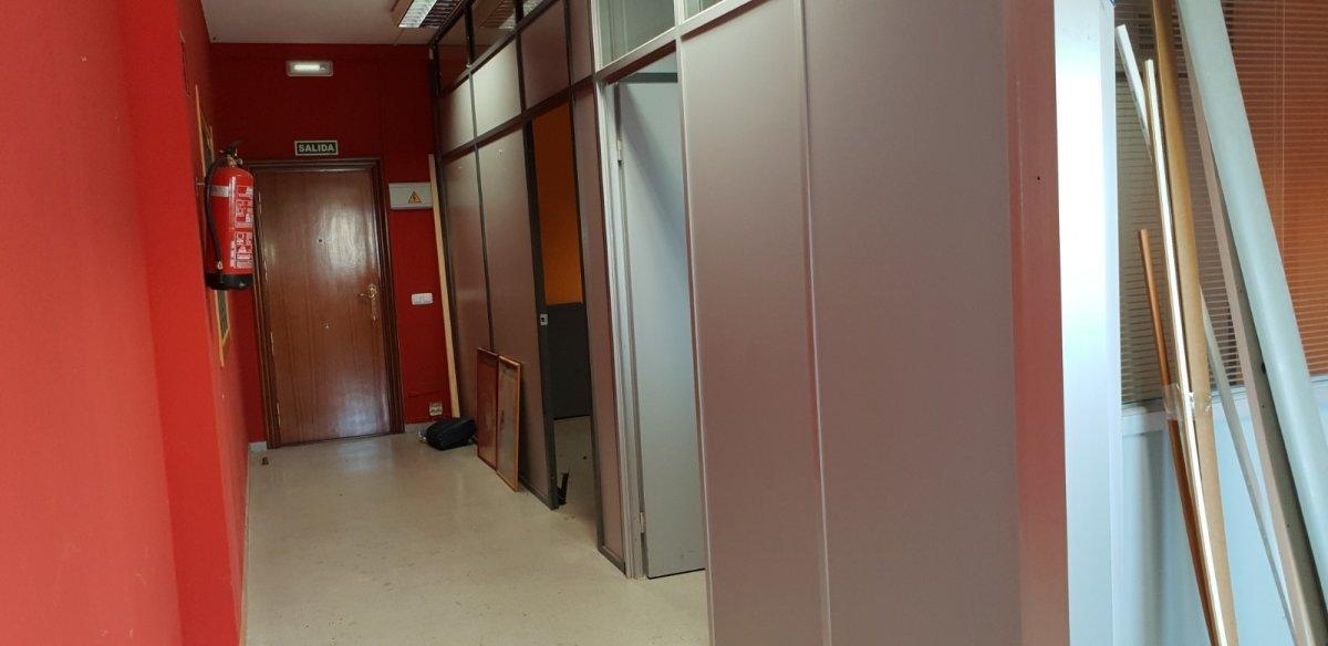 Oficina en venta en Santander  de 67 m2 por 76.950 €.