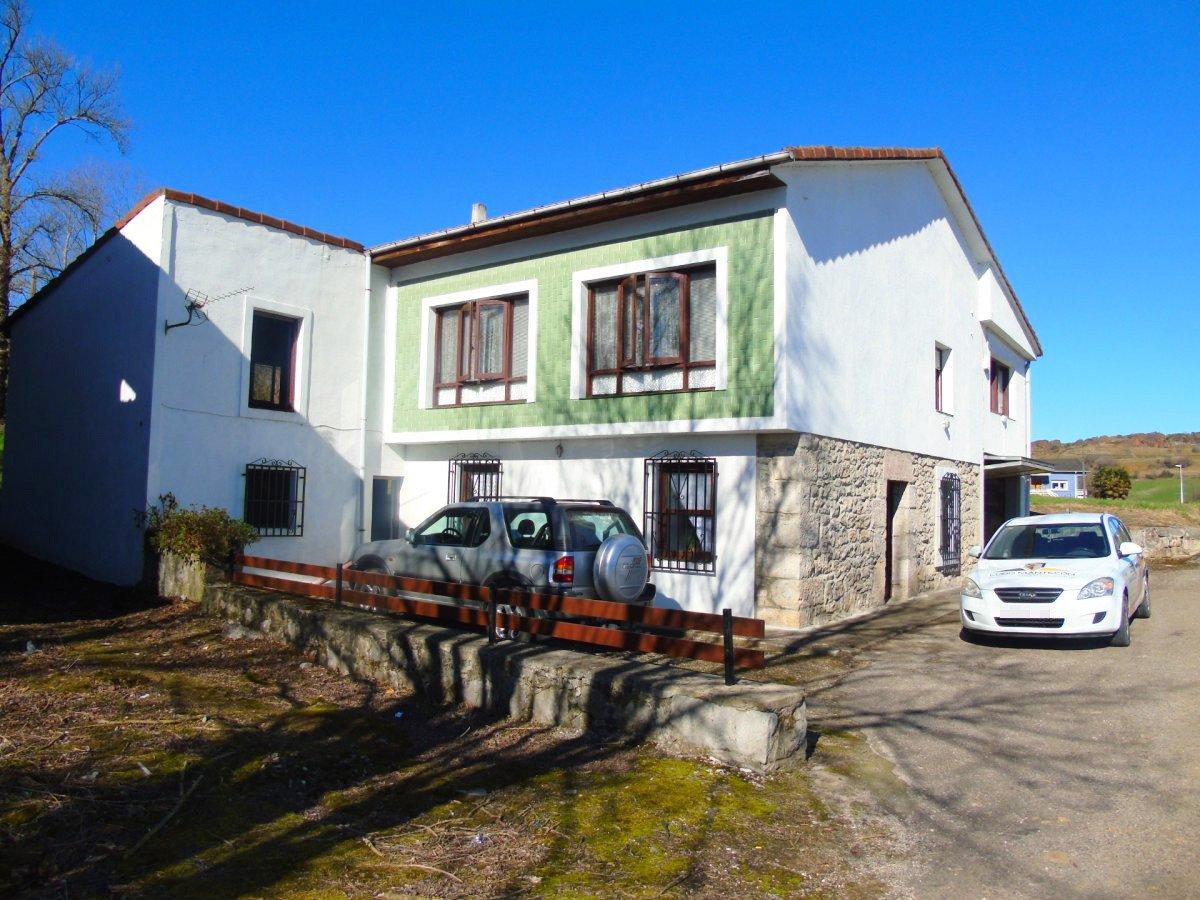 Casa en alquiler en Sobarzo, Penagos
