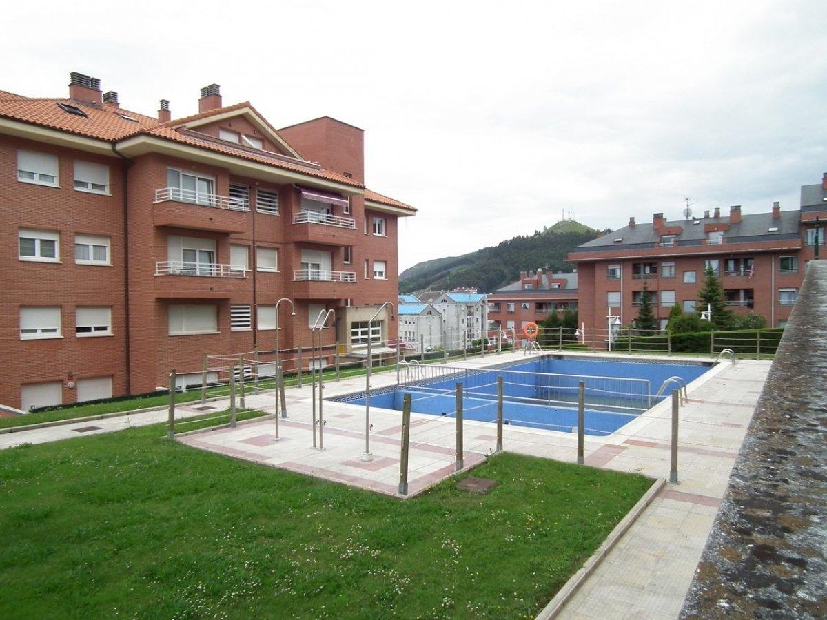 Piso en venta en Castro Urdiales  de 2 Habitaciones, 2 Baños y 89 m2 por 162.700 €.