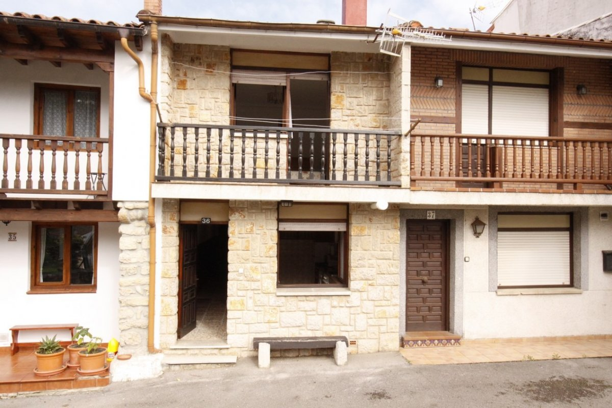 Casa en venta en San Vicente De La Barquera  de 3 Habitaciones, 1 Baño y 85 m2 por 88.000 €.