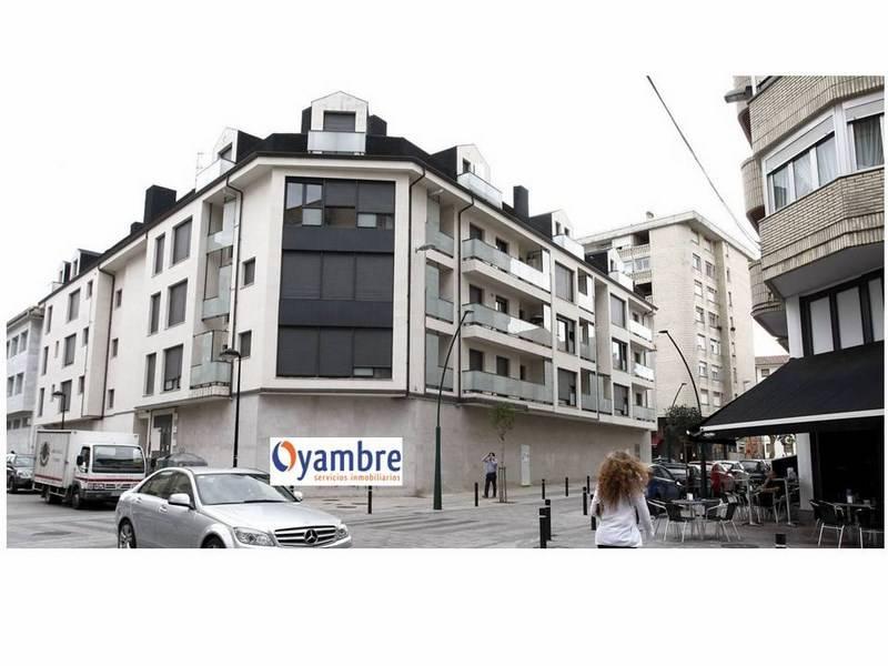Piso en venta en Torrelavega  de 1 Habitación, 1 Baño y 51 m2 por 75.600 €.