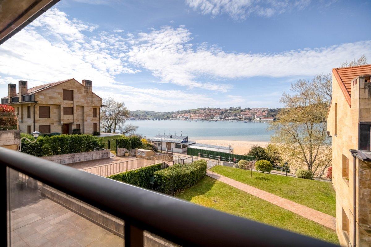 Piso en venta en San Vicente De La Barquera  de 2 Habitaciones, 2 Baños y 88 m2 por 265.000 €.