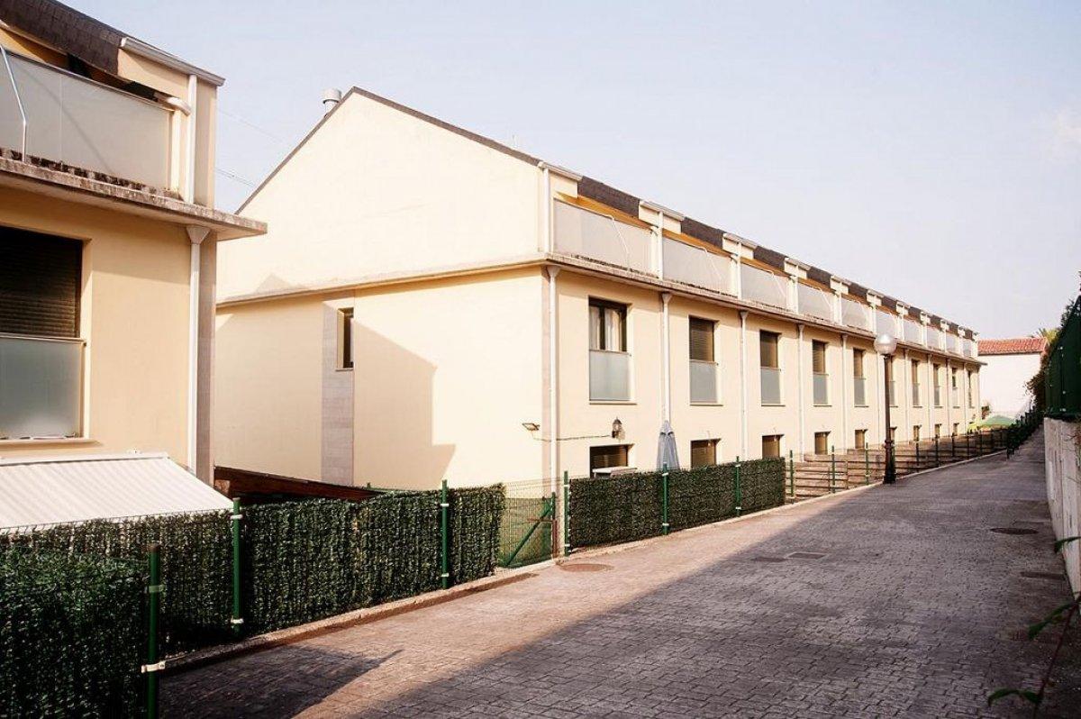 Casa en venta en Cartes  de 3 Habitaciones, 2 Baños y 164 m2 por 85.000 €.