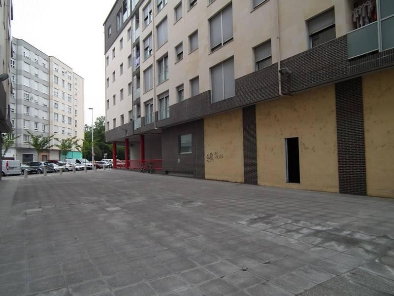 Local comercial en venta en Torrelavega  de 62 m2 por 64.100 €.