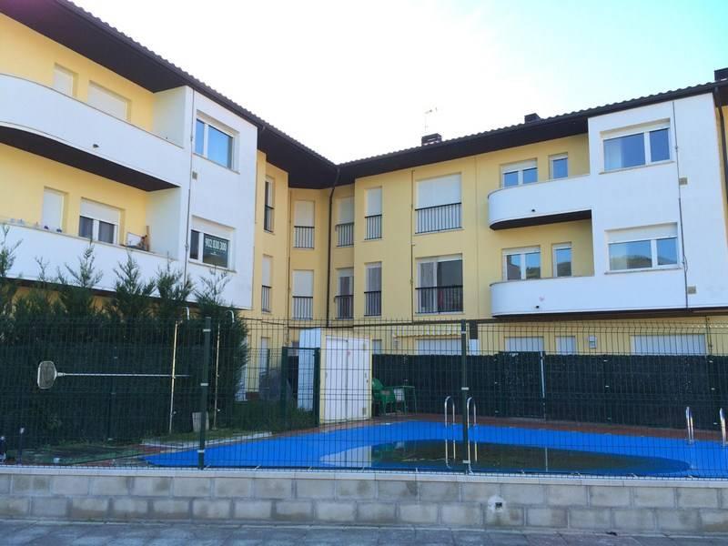 Piso en venta en Ampuero  de 2 Habitaciones, 1 Baño y 65 m2 por 56.800 €.