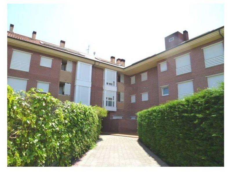 Piso en venta en Barcena De Cicero  de 2 Habitaciones, 2 Baños y 84 m2 por 69.000 €.