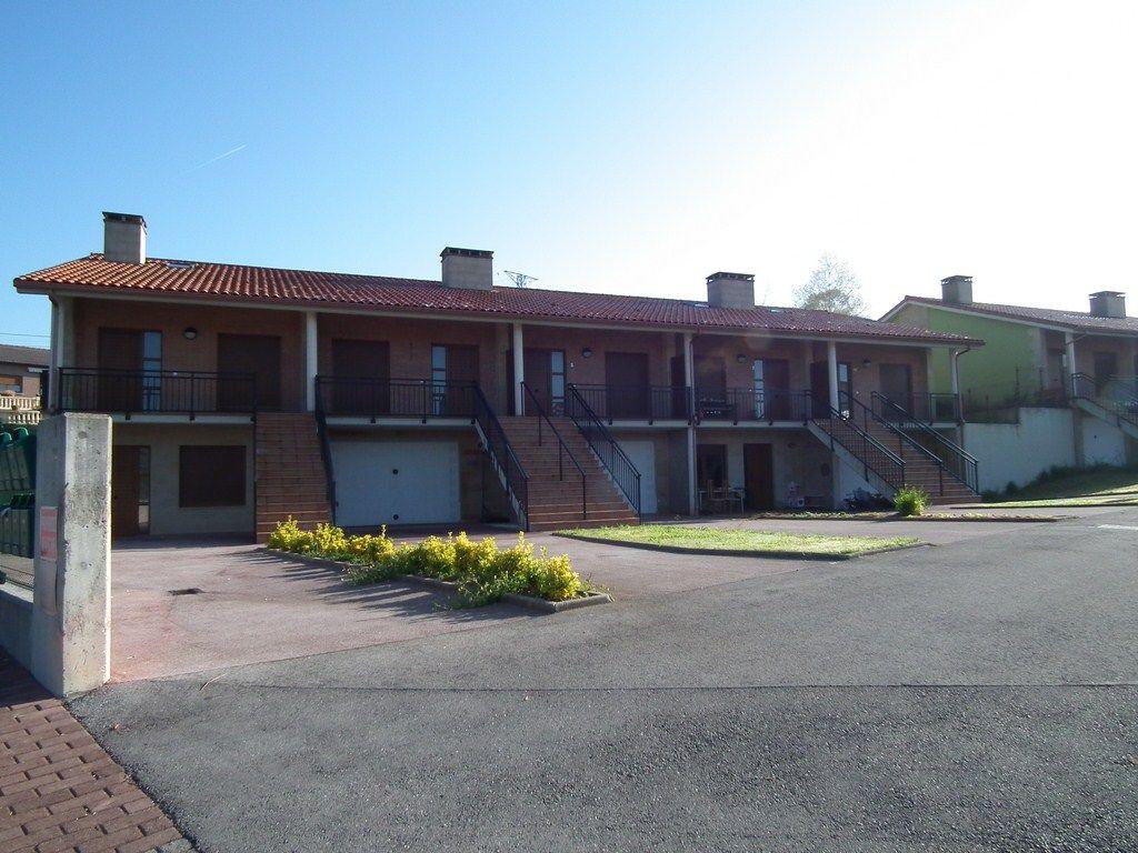 Casa en venta en Viveda  de 3 Habitaciones, 2 Baños y 139 m2 por 120.000 €.