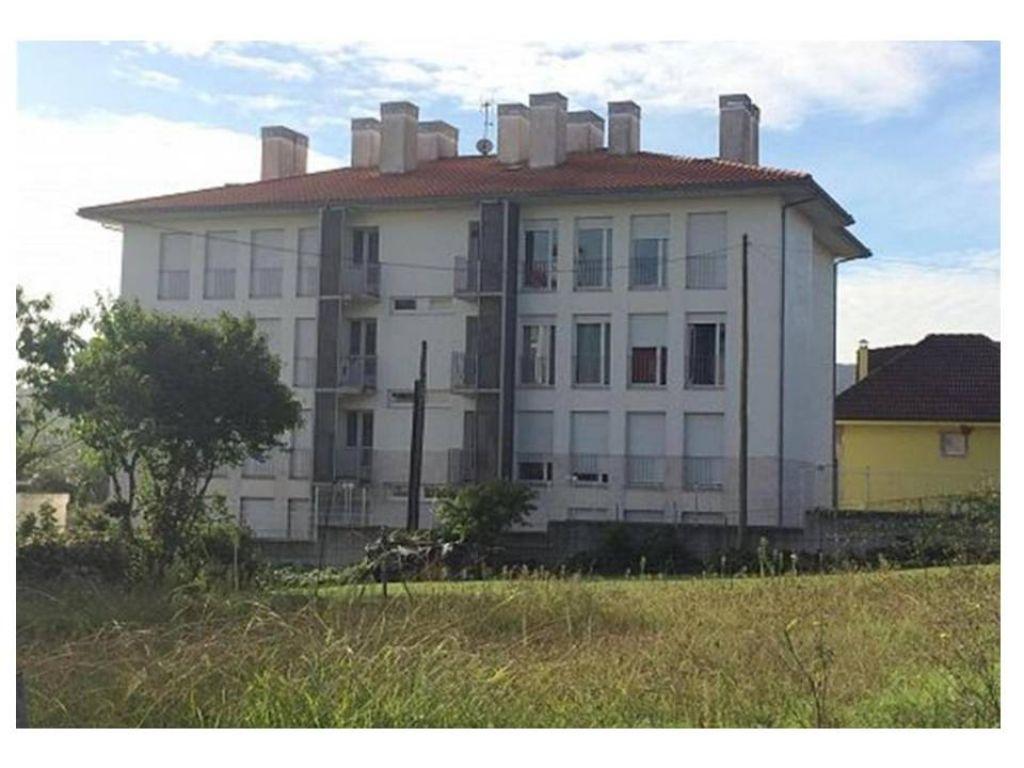 Piso en venta en Barcena De Cicero  de 2 Habitaciones, 2 Baños y 68 m2 por 83.000 €.