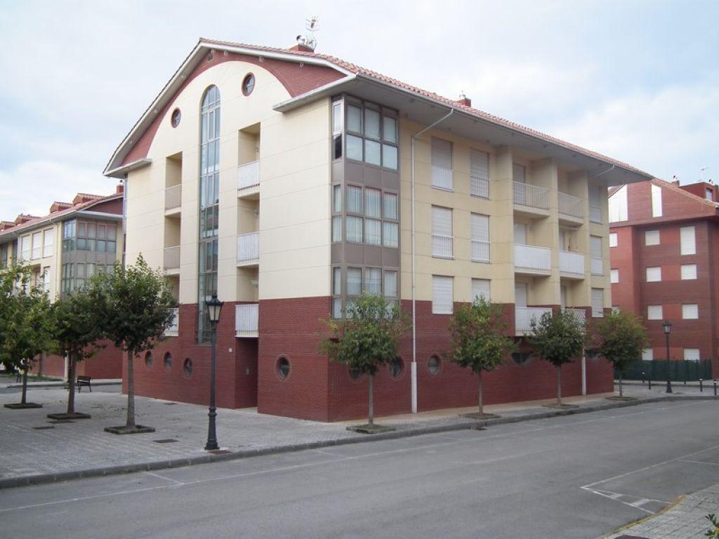 Piso en venta en San Vicente De La Barquera  de 2 Habitaciones, 1 Baño y 81 m2 por 148.000 €.