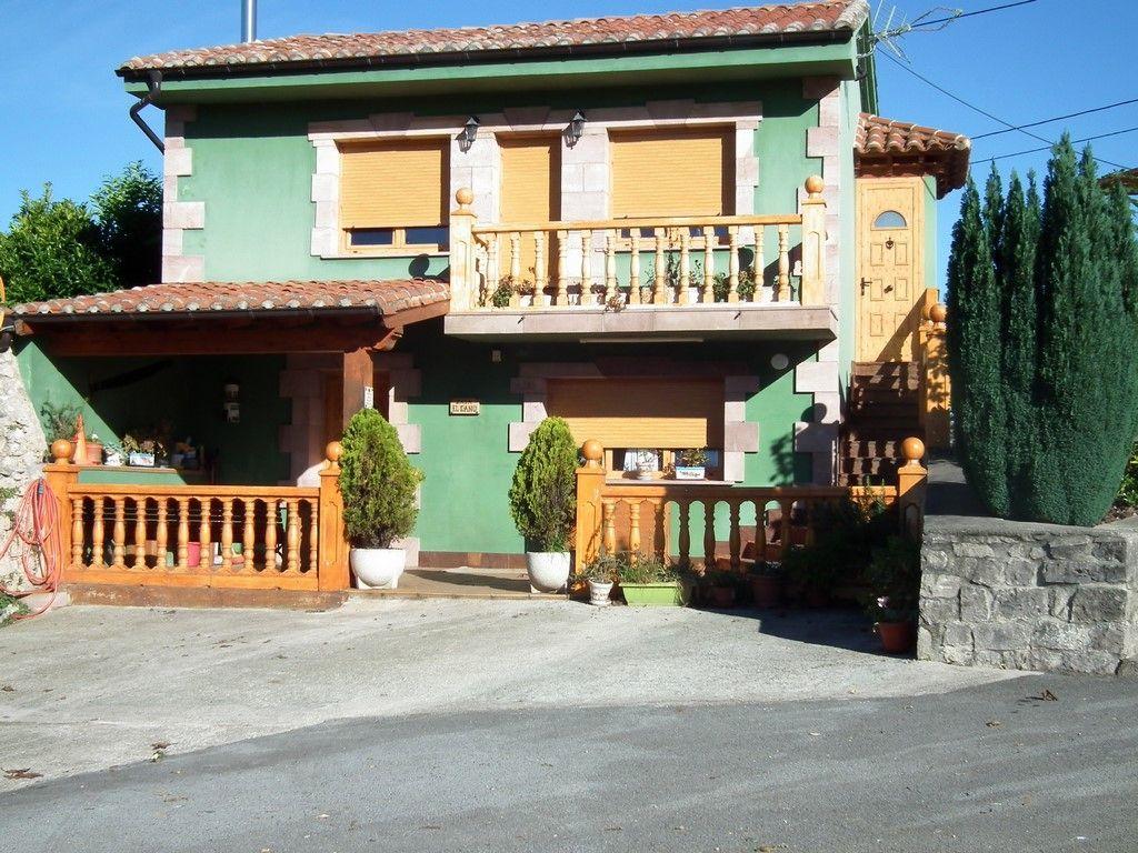 Chalet en venta en Lamadrid  de 4 Habitaciones, 2 Baños y 132 m2 por 149.000 €.