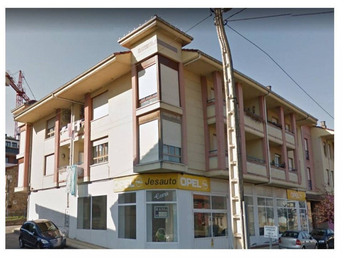 Piso en venta en Renedo De Pielagos  de 3 Habitaciones, 2 Baños y 114 m2 por 85.000 €.