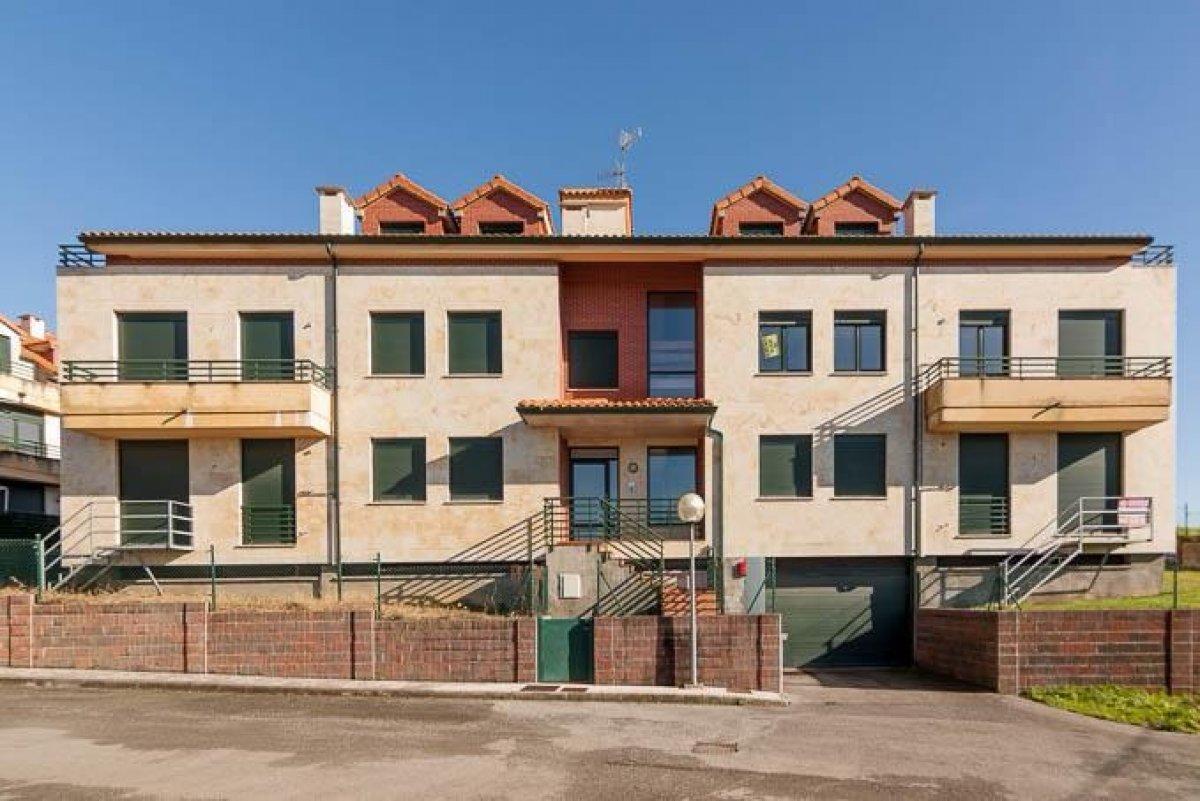 Piso en venta en San Mames De Meruelo  de 2 Habitaciones, 2 Baños y 82 m2 por 58.000 €.