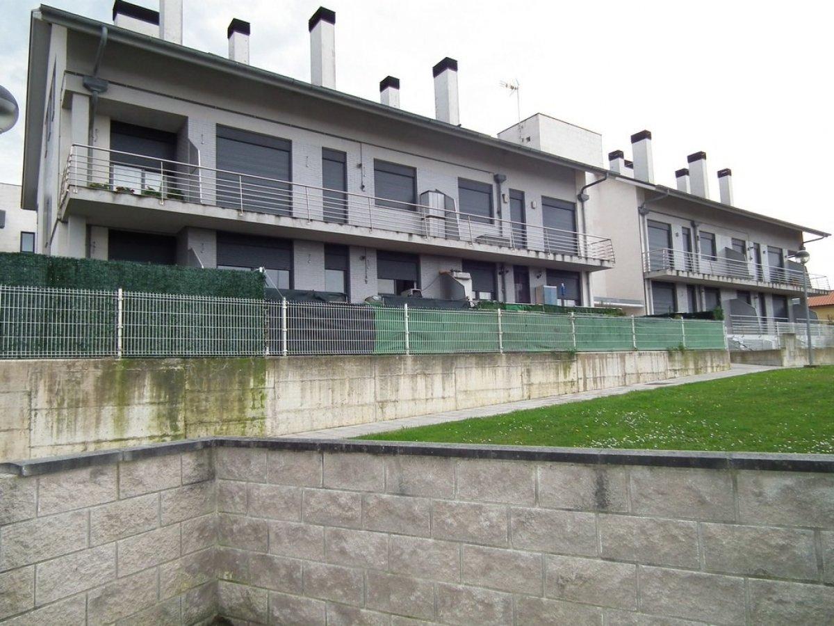 Piso en venta en Mogro  de 1 Habitación, 1 Baño y 61 m2 por 68.000 €.