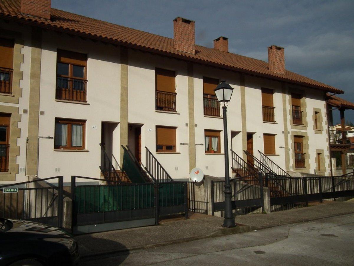 Casa en venta en Reocin  de 3 Habitaciones, 3 Baños y 146 m2 por 127.000 €.
