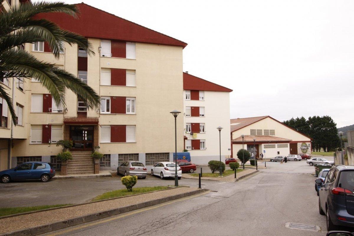 Piso en venta en San Vicente De La Barquera  de 3 Habitaciones, 1 Baño y 78 m2 por 74.000 €.