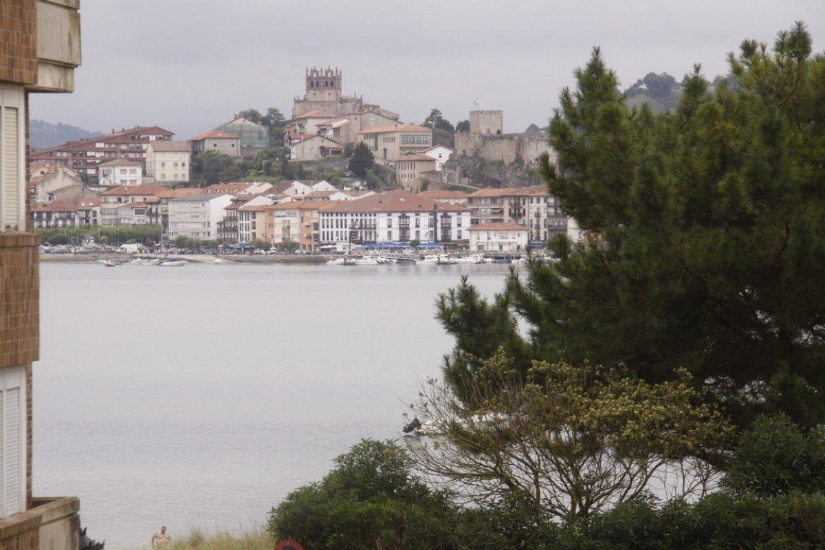 Piso en venta en San Vicente De La Barquera  de 2 Habitaciones, 1 Baño y 60 m2 por 142.000 €.