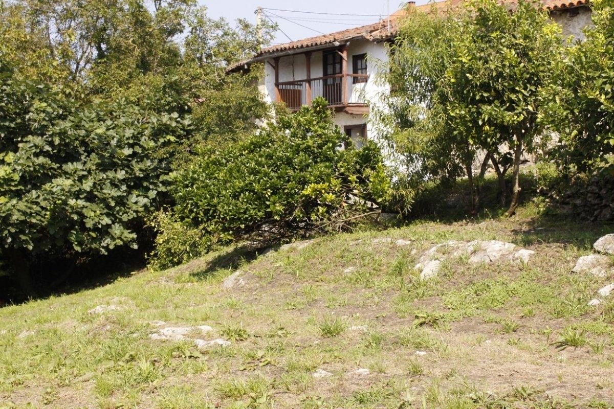 Casa en venta en Val de San Vicente  de 4 Habitaciones, 1 Baño y 236 m2 por 89.000 €.