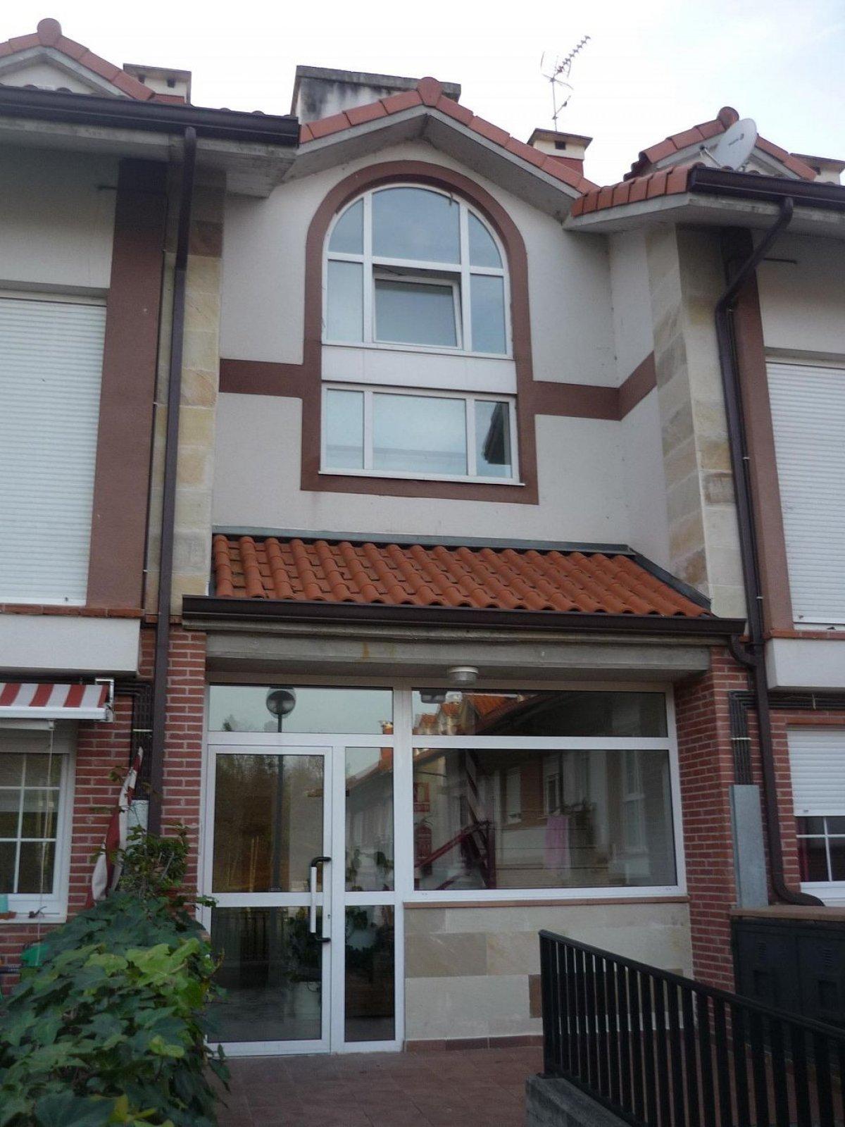 Atico en venta en Castañeda  de 1 Habitación, 1 Baño y 75 m2 por 90.000 €.