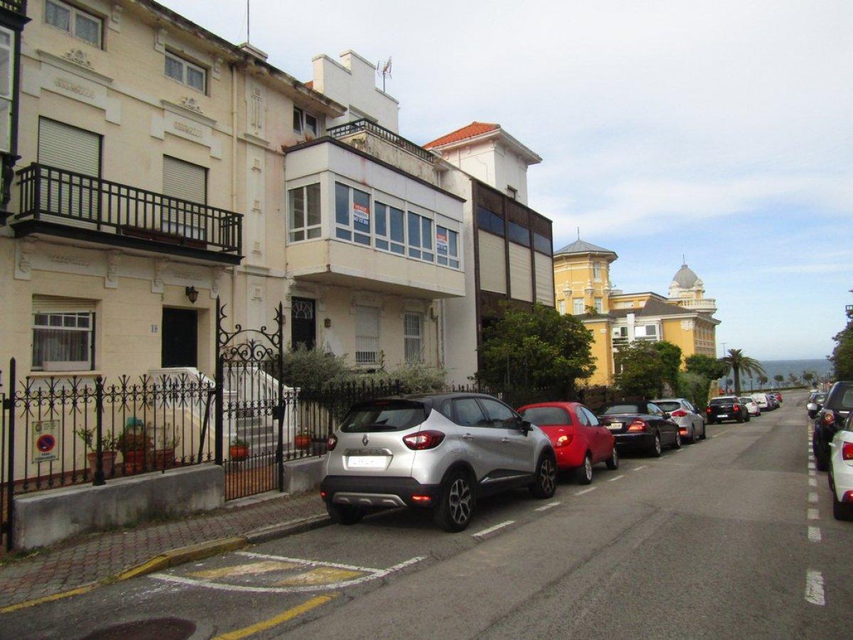 Piso Tipo Duplex en venta en Santander  de 4 Habitaciones, 3 Baños y 212 m2 por 635.162 €.