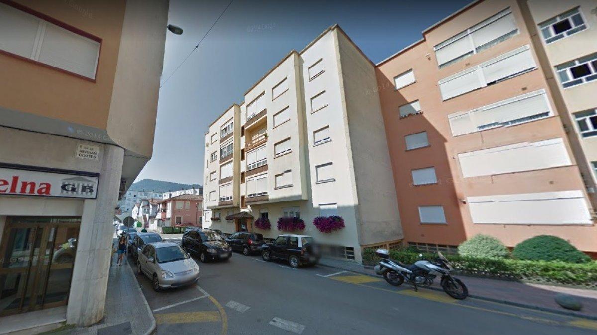 Piso en venta en Los Corrales de Buelna  de 3 Habitaciones, 1 Baño y 73 m2 por 66.000 €.