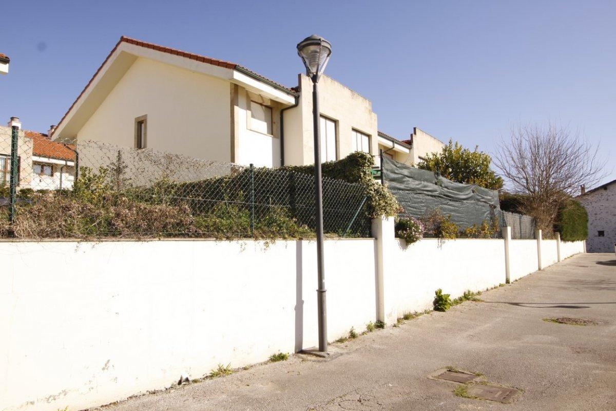 Piso en venta en Val de San Vicente  de 2 Habitaciones, 1 Baño y 68 m2 por 78.000 €.