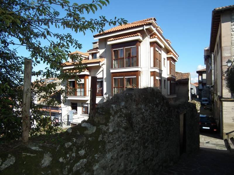 Piso en venta en San Vicente De La Barquera  de 3 Habitaciones, 1 Baño y 76 m2 por 89.900 €.
