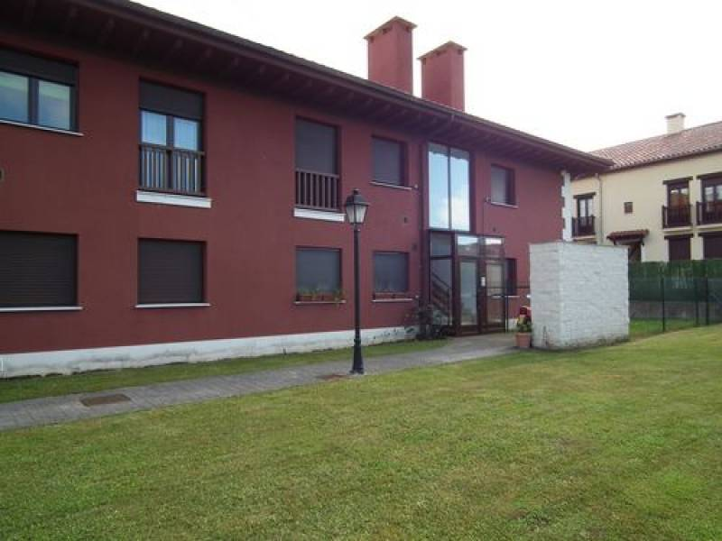Piso en venta en Val de San Vicente  de 2 Habitaciones, 1 Baño y 68 m2 por 132.000 €.